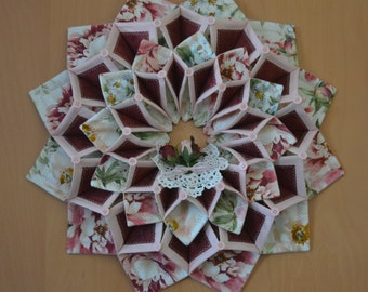 fold and stitch wreath instructions